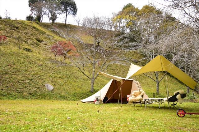 居心地のいいリビングの作り方|キャンプの基本