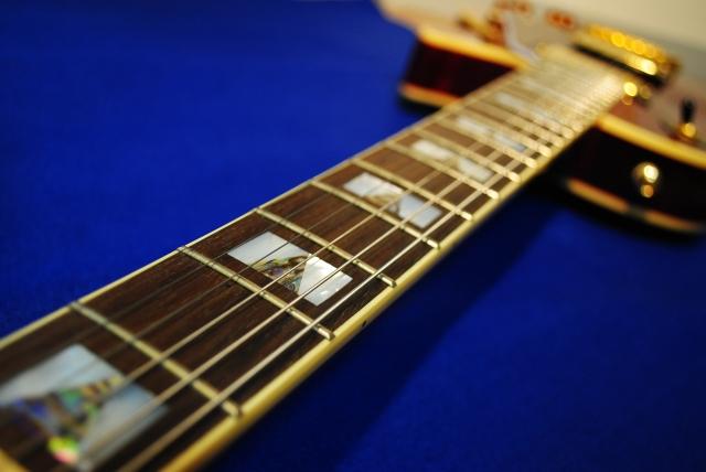 ロングスケールのエレキギターの利点