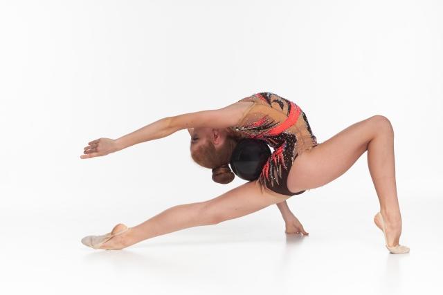新体操が上達する膝の柔軟方法