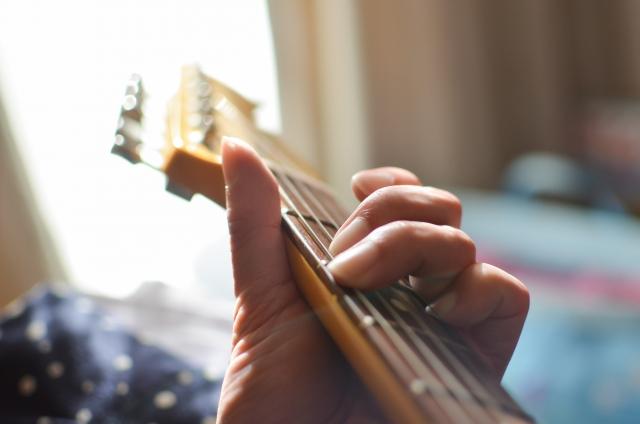 エレキギターでのブルース進行の弾き方