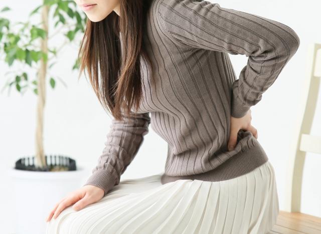坐骨神経痛に効果的なヨガのポーズとは?