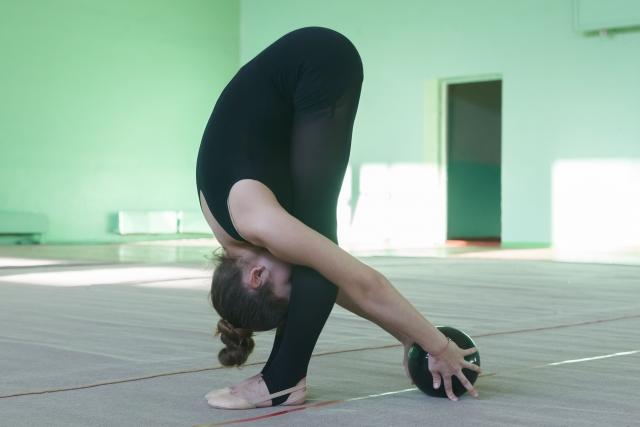 新体操が上達する股関節の柔軟方法