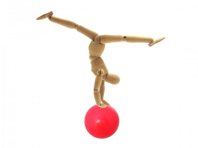 後方開脚の回転のやり方 | 新体操が上達する方法
