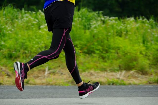 ストライド走法のやり方とメリット・デメリット | 趣味のランニング