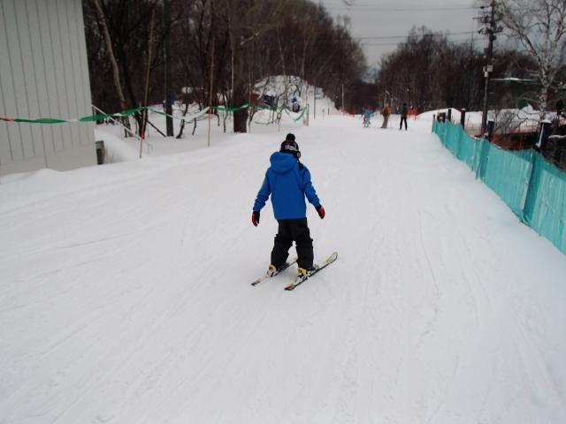 スキーで直滑降が上達するためのコツ