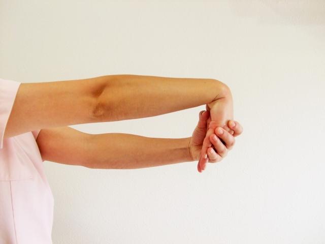 テニスの怪我を予防する練習前後のストレッチ方法