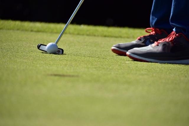 傾斜の見方について   ゴルフのパッティングの基本